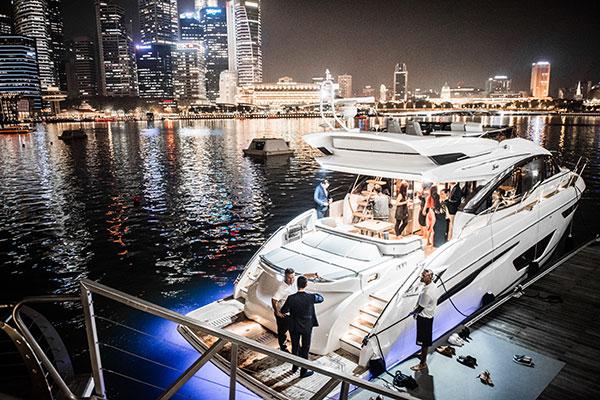 Princess-S60-Marina-Bay-Singapore-Nightshot
