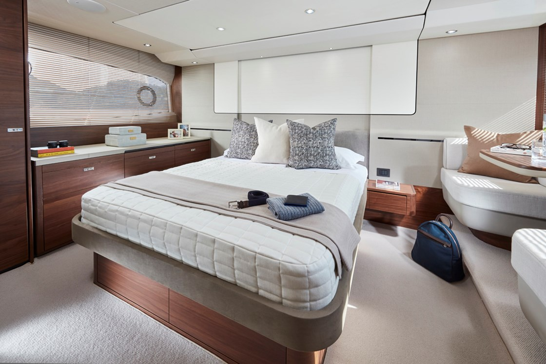 THE NEW PRINCESS 62 - ELEGANCE AT ITS BEST