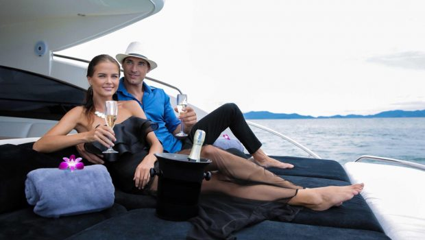 Why You Should Go on a Day Cruise for Your Honeymoon?