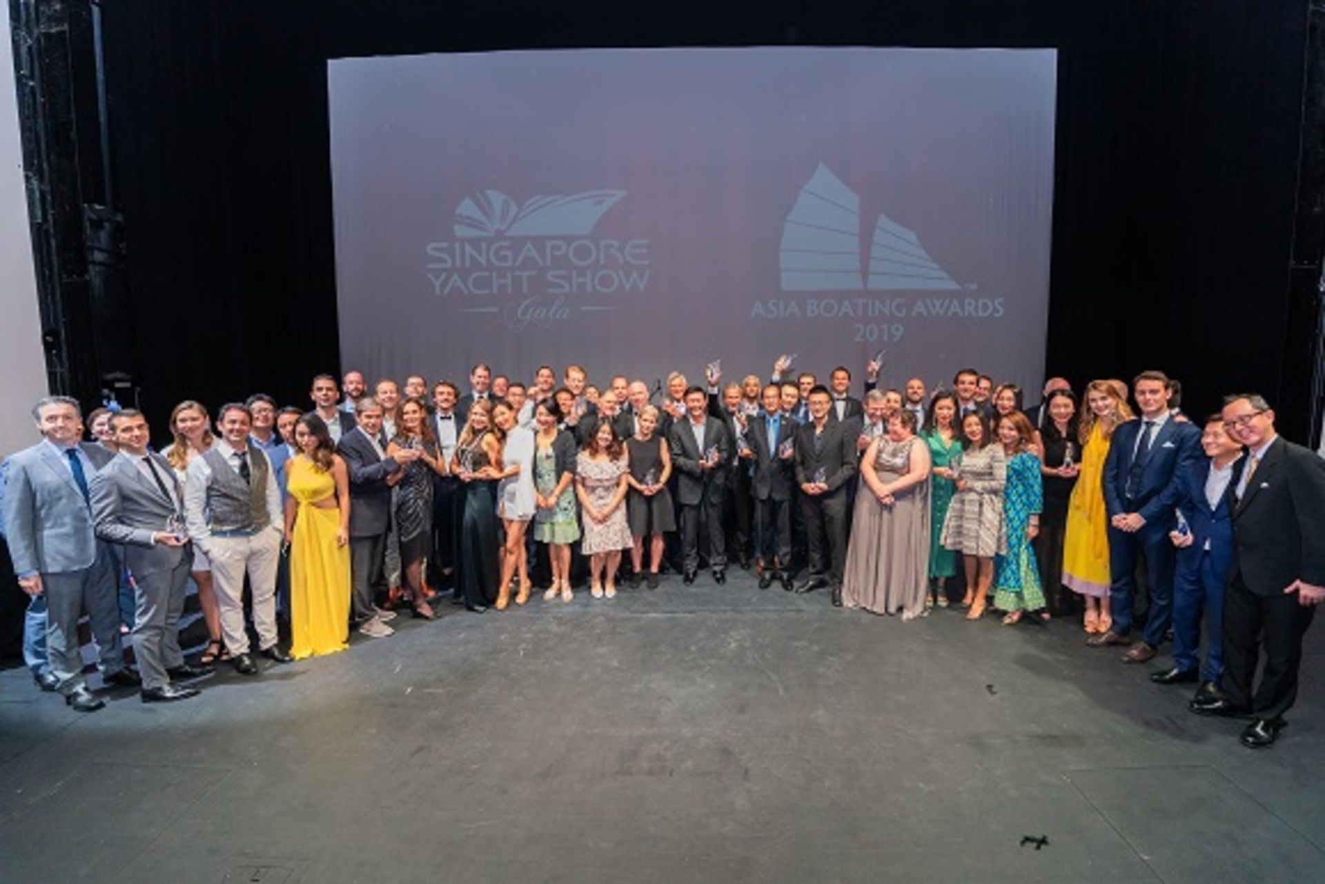 """The new PRESTIGE 520 S awarded at the """"Asia Boating Awards 2019"""""""