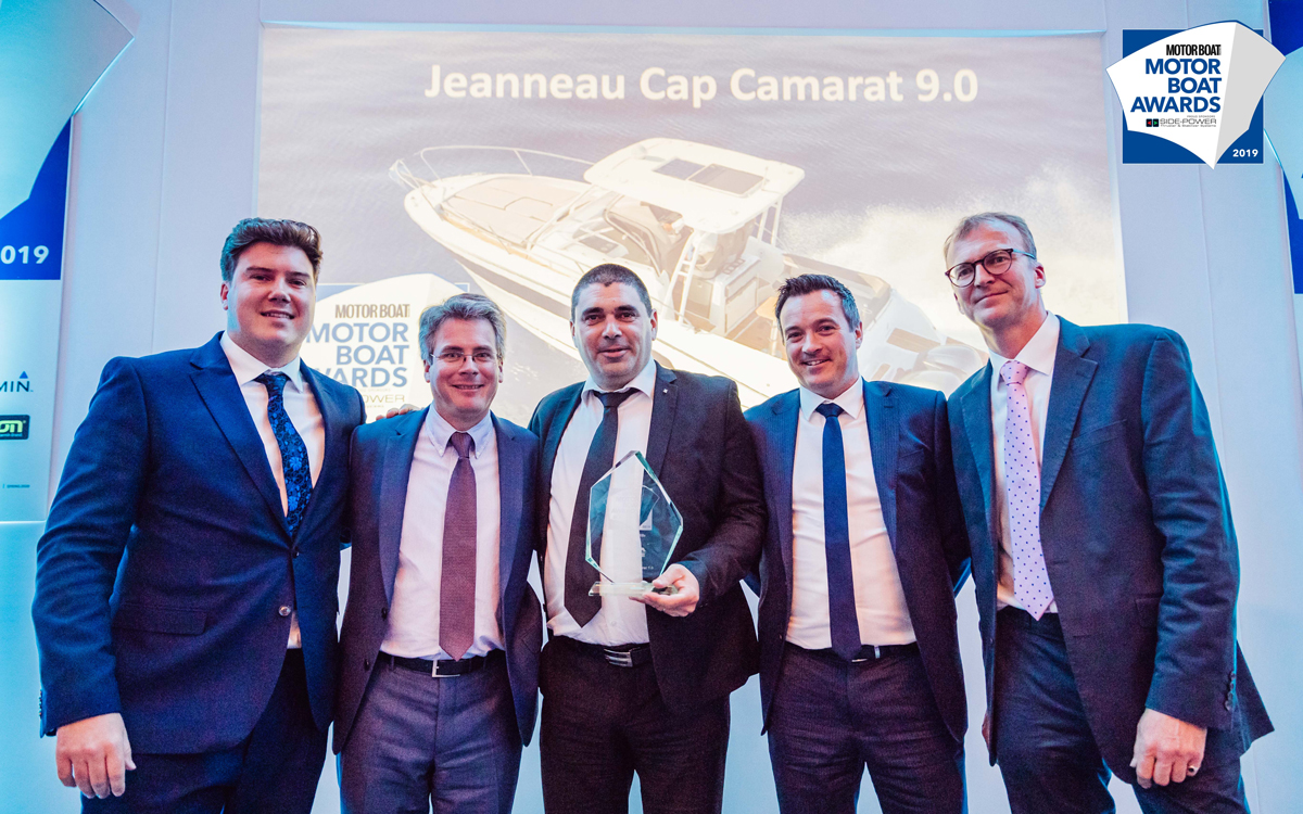 The Center Console and Walk Around CAP CAMARATS 9.0 won the 2019 Motor Boat Award!<br />