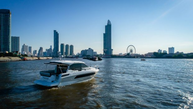 Go beyond boating as you explore the hottest places in Bangkok while cruising along the iconic Chao Phraya River on the Jeanneau NC 33 in true VIP style!